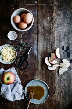 Apple omelette with