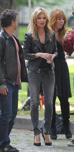 Kate Moss for a Mango commercial in Paris. Great hair! :)