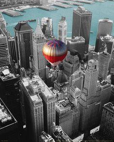 NYC. Hot Air Balloon over Manhattan