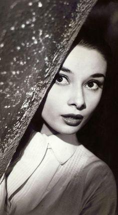 Audrey Hepburn http://sulia.com/channel/fashion/f/7699fb81-2674-46ed-a804-03923b6b8815/?pinner=125430493&