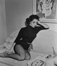 Elizabeth Taylor.GORGEOUS!