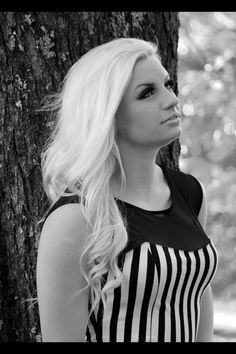 Senior Portrait:: Black and white