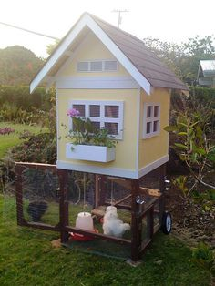 so tiny and so cute~ Chicken coop