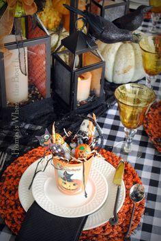 Jolly Halloween Table