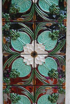 Portuguese tiles by Bordalo Pinheiro. dishesbordalo pinheiroportuges, portuguese, tiles, azulejo portugues, portugues tile, ceram art, portugues ceram, art nouveau, azulejo inspirador