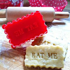 'Home Made' Or 'Eat Me' Stamp Cookie Cutter - Fantastic for an Alice In Wonderland themed party or for making any day special!!!  ||  by the Little Picture company