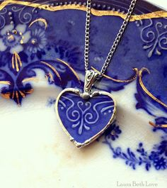 Beautiful antique Flow Blue art nouveau broken china jewelry heart pendant
