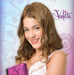 foto y logo de violetta