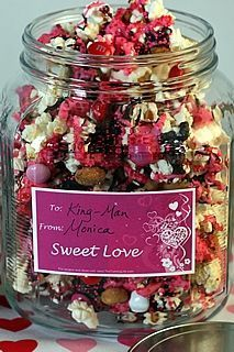 Pretty in Pink Popcorn Party Mix!