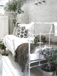 vintage outdoor bed