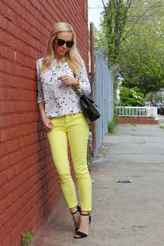 love the yellow pants paired with the patterned blouse
