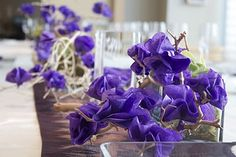 If simplicity is your feel, these centerpieces are easy to achieve