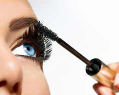 5 Mascara Tricks to Make Your Eyes Look Even More Amazing - Compliment your eye shape with these simple techniques