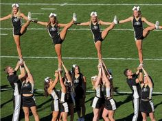 Cheer stunt - paper dolls <3