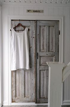 ♥ white diluted paris grey, heavily distressed.