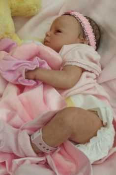 Gorgeous true to life reborn baby girl *Ava* from Hollyberry reborn babies