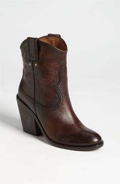 Lucky brand leather boots! I want these!!!