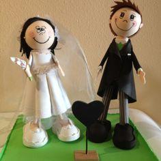 Fofuchos novios con base/Fofucho dolls just married with base