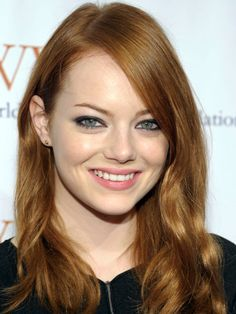 Emma-Stone-auburn-hair-with-highlights.jpg (600×800)