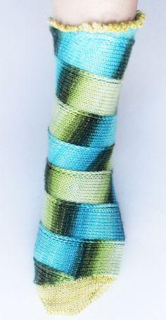 Free - Carousel sock: Knitty Spring+Summer 2012