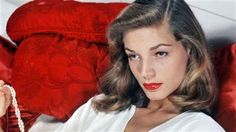 Hollywood legend Lauren Bacall dies at 89