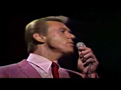 The Righteous Brothers - Unchained Melody 1966