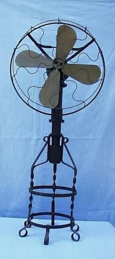 #Antique Lake Breeze hot air fan / floor model is driven by heat supplied by a kerosene or alcohol lamp, and operates on the Sterling engine design.