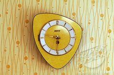 midcenturi, yellow clock, wall clocks, 1950s vintage yellow kitchen, kitchen clock