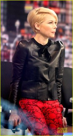Michelle Williams, growing out the pixie. leather jacket, pixie haircuts, short haircuts, pixie cuts, michell william, louis vuitton, loui vuitton, michelle williams, short bobs