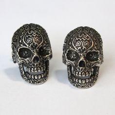 More skull cufflinks