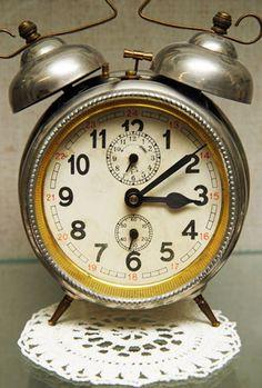 tea time, leg, antique clocks, alarm clocks, bells, afternoon tea, big bell, antiqu alarm, antiques