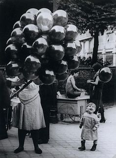 Brassaï - The Balloon Merchant, 1931