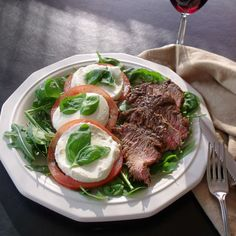 Steak Caprese Salad Plate for a quick delicious #Weekdaysupper