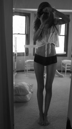 Thigh gap and flat stomach... this is what I want