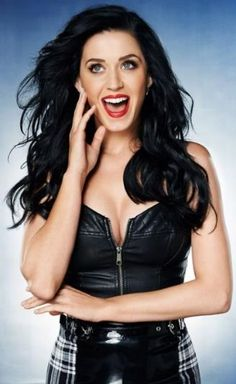 Katy Perry ♥ hey katie thanks for following me :)