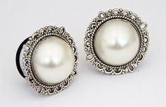 antique-silver-pearl-ear-plugs-gauges