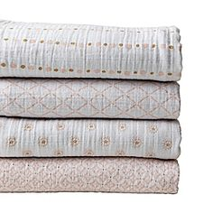 These colors are so sweet! Love these Aiden and Anais swaddle blankets! @ serenandlily.com