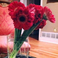 One of our sweet customers sent in a picture of her monogrammed vase that she got from us. Love it!!❤❤❤