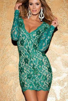 Cea mai provocatoare rochie croita din dantela, care va reusi sa iti evidentieze corpul intr-un mod placut si sexy. Rochie de club cu design indraznet cu decolteu adanc in forma de V stilizat si spatele gol. Dantela acopera un corset care se muleaza perfect pe corp, iar pietrele ce decoreaza rochia, vor straluci pentru un plus de contrast.