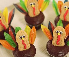 Cute Gobbler Cupcakes: Fun to make (and even more fun to eat!), these tasty turkeys fit the bill.