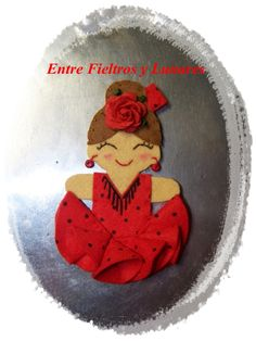 Miss Lunaritos, Complementos, Broches