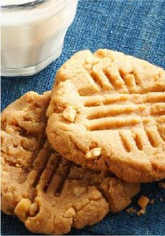 Easy Peanut Butter Cookies – Easy Peanut Butter Cookies? We'll say! Five ingredients. 25 minutes. No flour to measure. The result: Deeply, intensely peanut-buttery cookies.