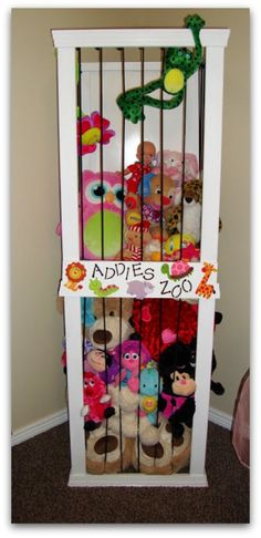 What a cute way to organize stuffed animals!