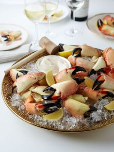These are so yummy you'll be tempted to eat all 5 lbs. George Stone Crab - Large Stone Crab Claws (5 lbs)