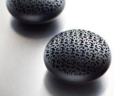 Altavoces Inalámbricos con forma de huevo - Diseñados por Marcel Wanders.-