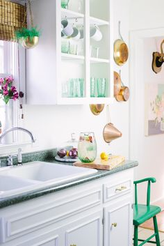 bright + vintage kitchen #decor #cozinhas #kitchens