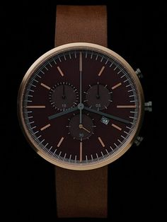Minimalistic and simple watch from Uniform Wares. The 300 series rose gold.