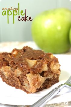 Easy Apple Cake | MyBlessedLife.net