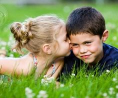kid pics, a kiss, sibling pics, first kiss, photography portraits, sibling poses, sweet kisses, little boys, photographi