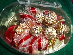 VINTAGE CHRISTMAS CORSAGE WITH GOLD FROSTED PINECONES 50'S | eBay
